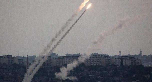 伊朗卫星是帮凶?以色列遭遇数百枚火箭弹报复,蓬佩奥有话要说