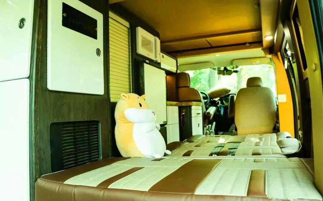 9.21南昌房车展:房车布局新构思,高空间利用率的途睿欧升顶房车