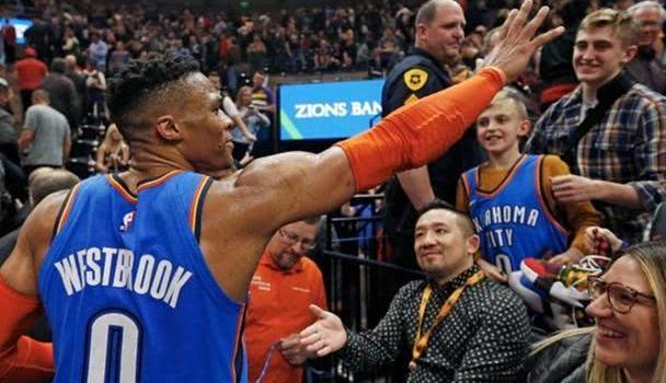 NBA出台球迷行为零容忍新政,只有种族歧视不包含政治言论?