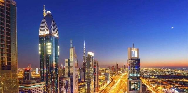 世界上最富裕的国家,迪拜在它面前只能望洋兴叹,满街都是黄金