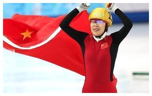 1人碾压3名韩国选手夺冠,周洋演绎最霸气冠军,目标北京冬奥会
