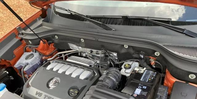大众途昂X正式上市,搭载2.5T+V6发动机,百公里加速6.9秒
