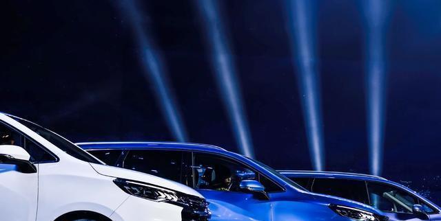 上汽大通G50国六版车型上市,提供五种座椅布局,搭载1.5T发动机