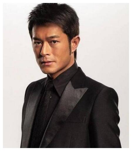 最有型的十大男巨星,何润东的脸最小,李威龙身材最威猛!