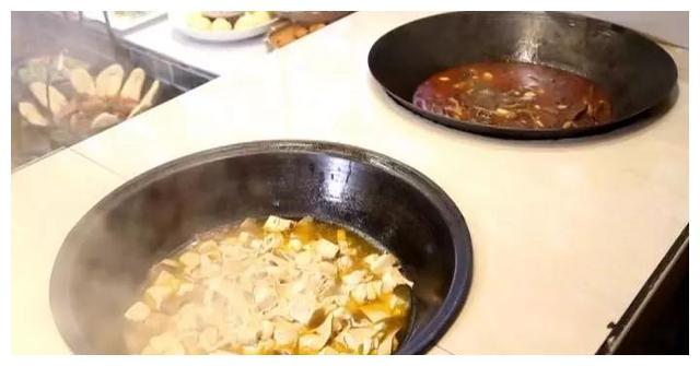 特别的牛肉锅子,再配上一碗汤,让你来了就不想走出去