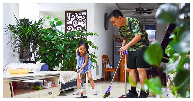 """父母经常用金钱奖励跟孩子表现挂钩,竟培养出了""""不孝子"""""""