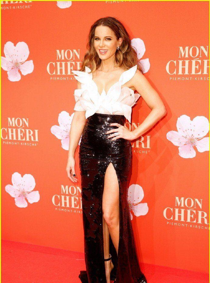 Kate Beckinsale 4日慕尼黑 2019 Mon Cheri Barbara Tag活动