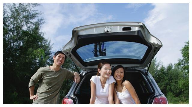 """今年""""自驾宝""""一出,房车不吃香了!自驾长途安全又享受,真高级"""