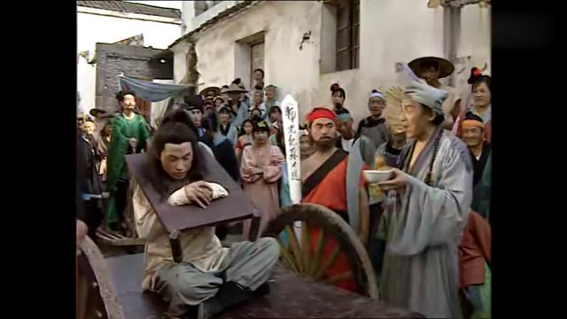 济公游记:济公真是调皮!抢走商家的糖罐,带着娃娃们去大闹法场
