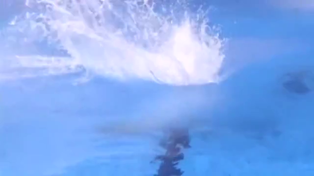 运动员跳水失误集锦:栽进水中不算啥,躺着进水不疼吗?