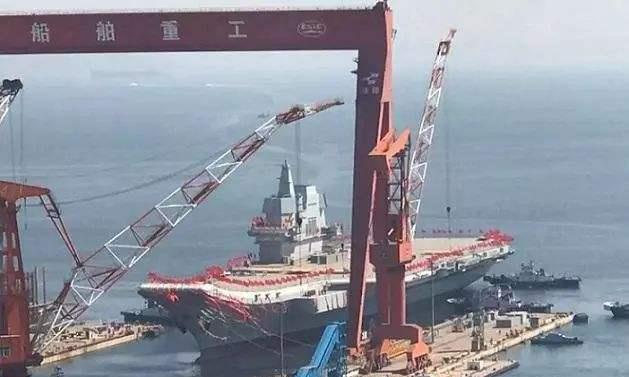 引进中国龙门吊后,俄连续奋战三个月,唯一航母面貌已焕然一新