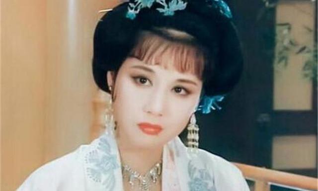 她比赵飞燕更受汉成帝宠爱,却不屑争宠急流勇退,她是谁