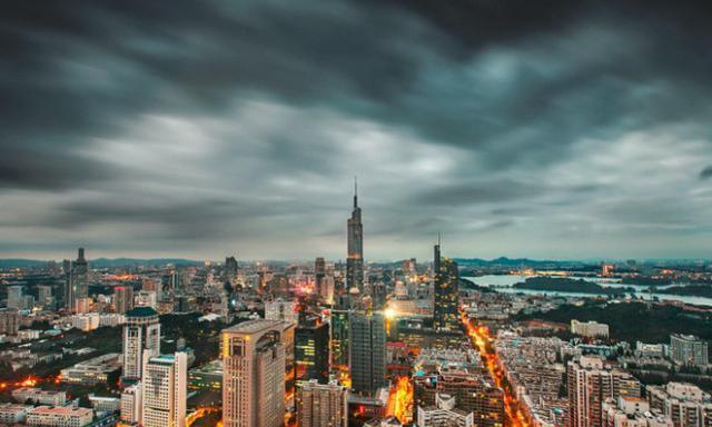 中国第一个下辖区县全部通地铁的城市,不是北上广深
