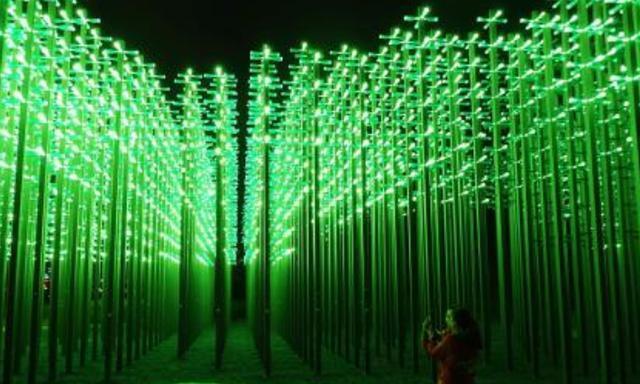 """青岛有一奇观,由30000多个啤酒瓶打造,被称为""""啤酒丛林""""!"""