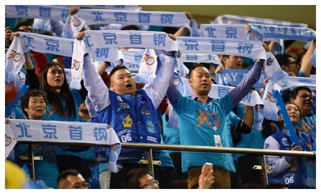 北京首钢男篮本该常年处在争冠行列,无奈搞不定两所中学校队