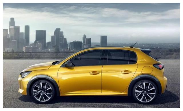 全新一代标致208,车身长近4.1米,轴距近2.6米,搭载1.5L发动机