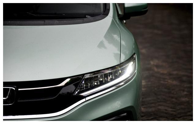 本田最具诚意的一款车,轴距同级没对手,空间超大可惜懂的人不多