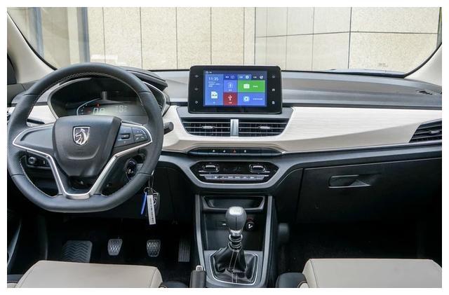 国产MPV不止有宋MAX,这车不足5万,比五菱宏光还能装,厚道!