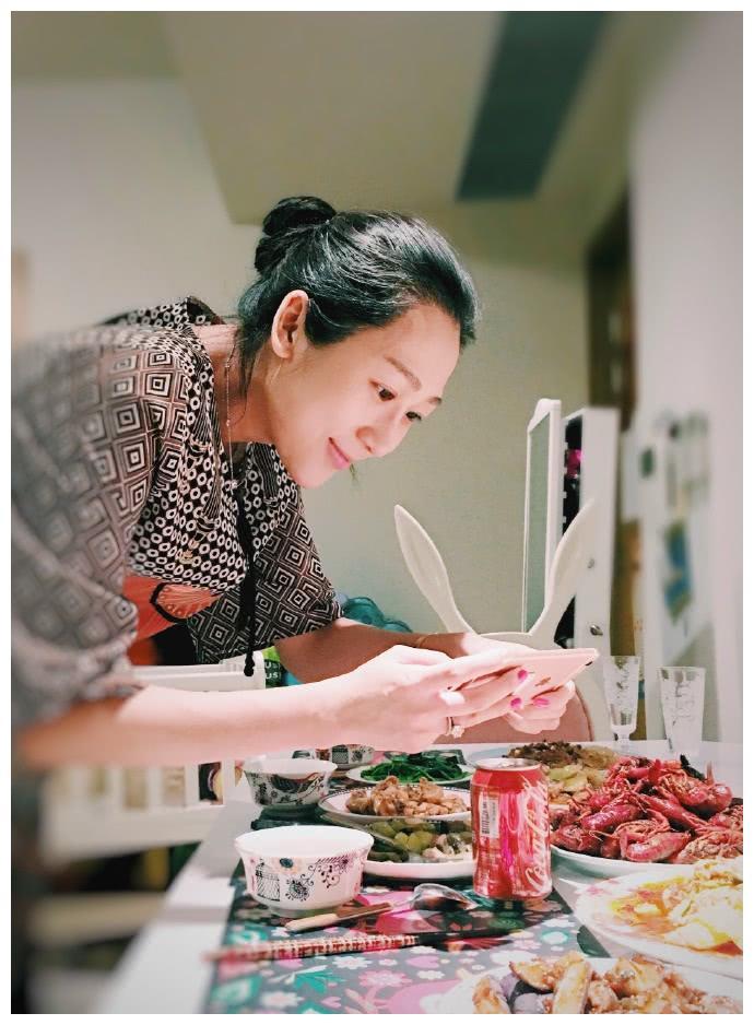 陈浩民媳妇最厉害的不是五年生四胎,而是全年无休用心做饭,暖心