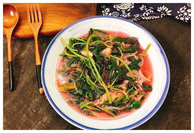 夏季不喝油腻腻的筒骨汤,吃蔬菜更能助长个,过完暑假衣服短一截