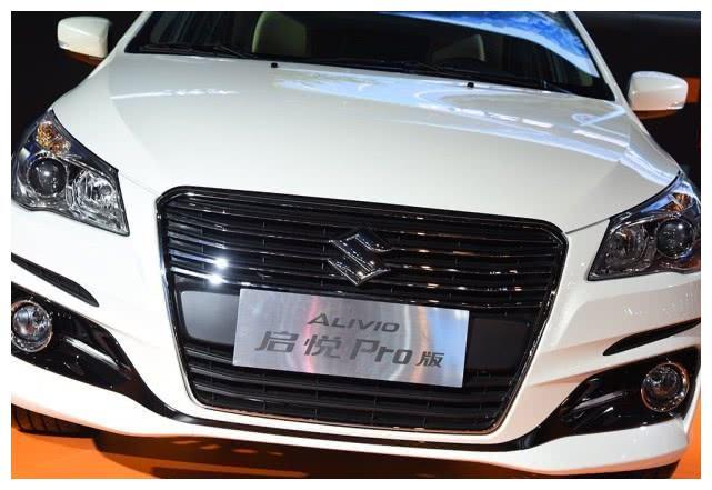 铃木这次真狠心,这车价格跌至8万以下,国产车开始头疼了