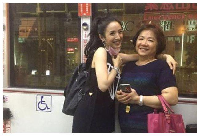林依晨23岁曾给妈妈遗书,表明自己兴趣所在,希望得到母亲支持