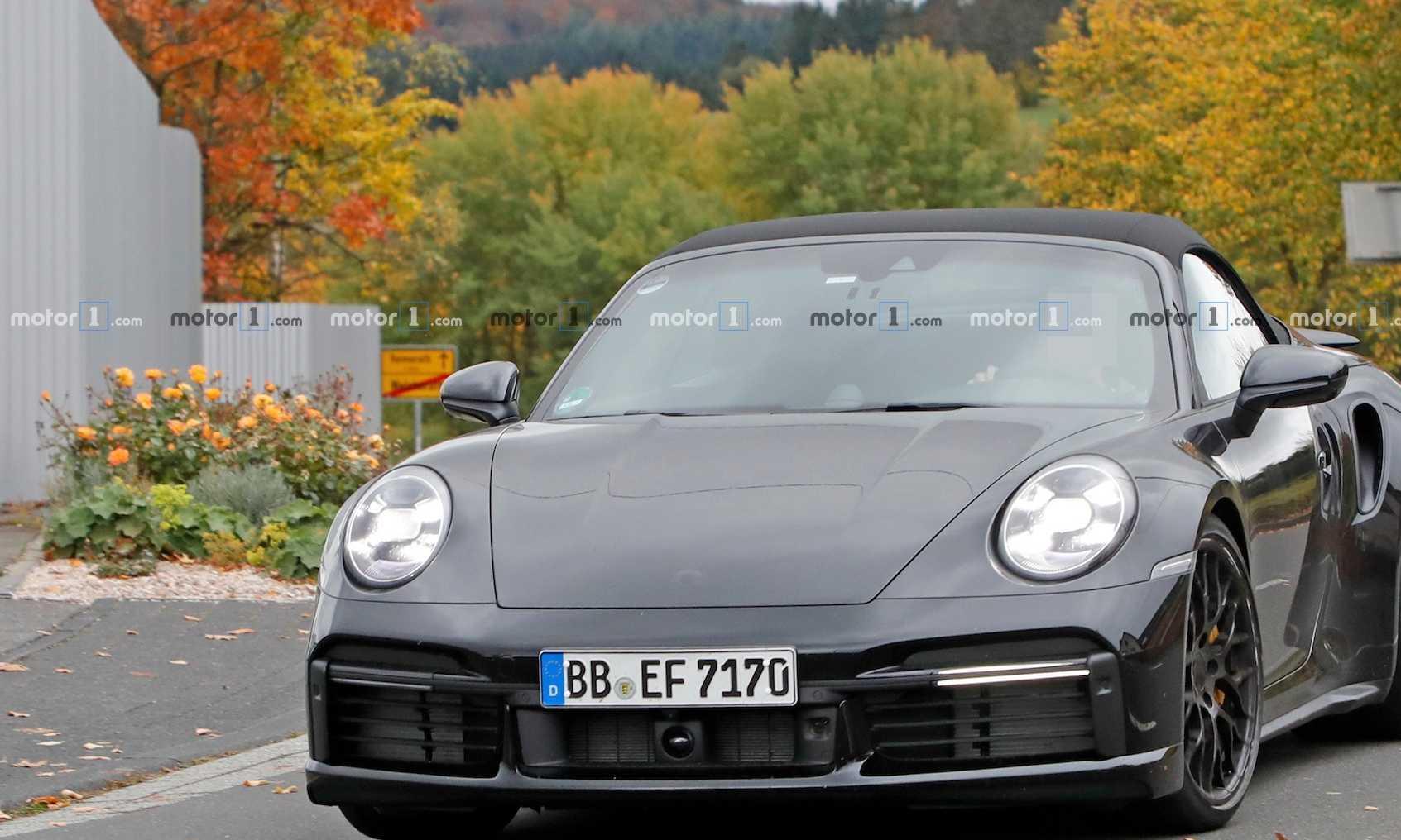 新款保时捷911 Turbo敞篷无伪谍照 拥有600匹马力