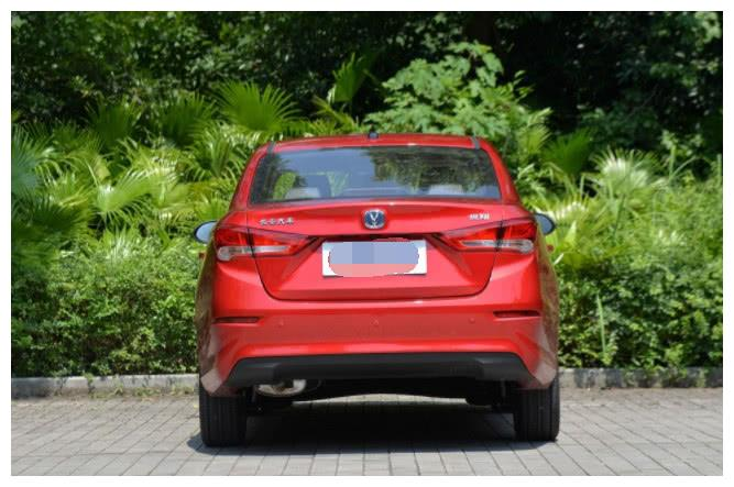 """低至6万起售!这车号称国产""""雷克萨斯"""",油耗仅4毛,还看啥飞度"""