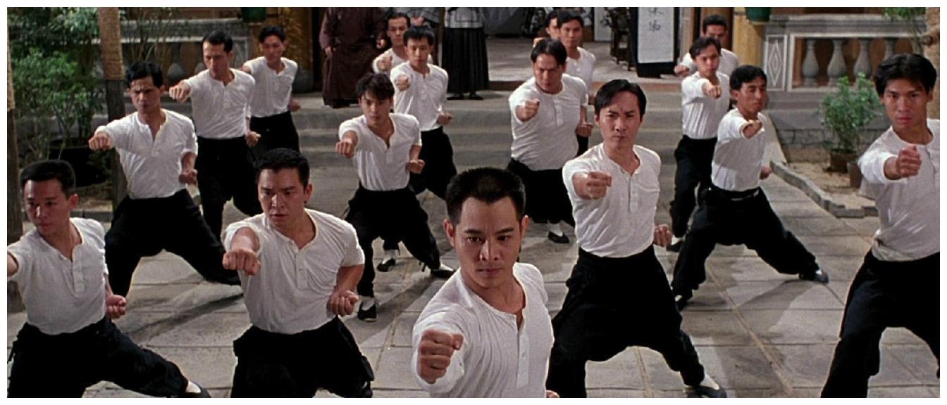 李连杰致敬李小龙的电影,其与世界拳王对打,身边还有红颜知己!