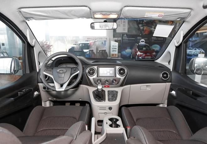 瑞风M3/R3新增车型上市 售7.48-9.58万