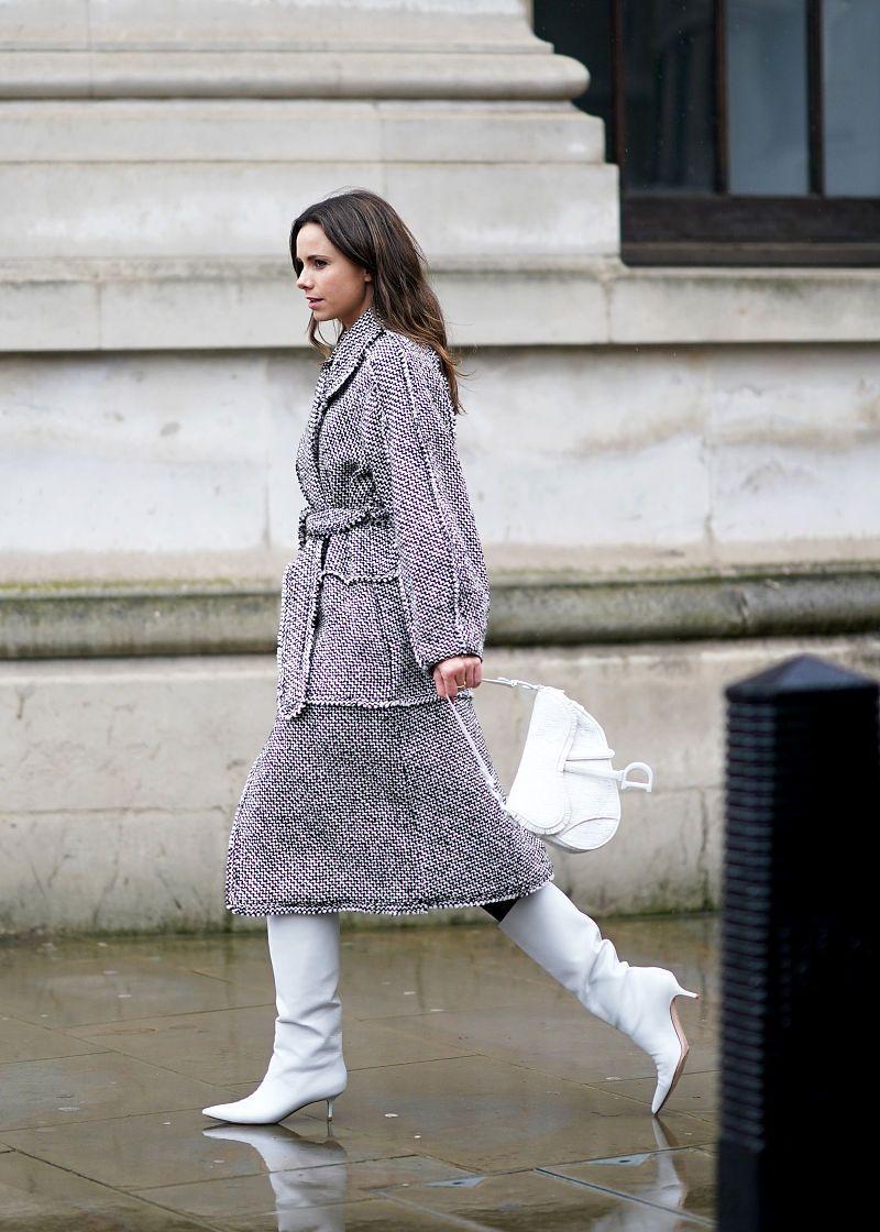 2020秋冬伦敦时装周:2月16日潮人街拍 博主Caroline Daur羊腿袖