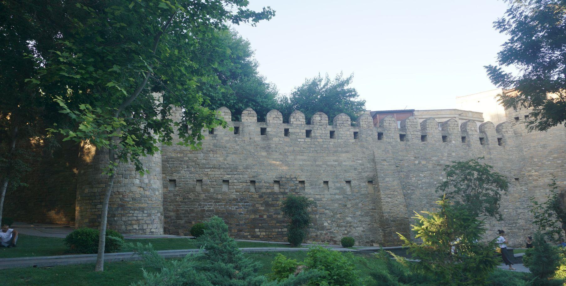 阿塞拜疆首都巴库老城,有一千多年的历史,网红打卡地
