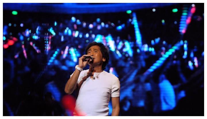 《我是歌手》捧红的五位过气歌手,齐秦李克勤入围,网友:只服他