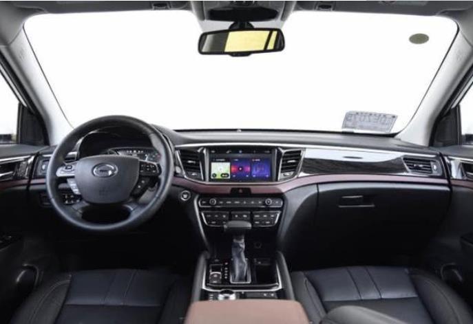 新款传祺GS8亮相,2.0T发动机,满足国六标准