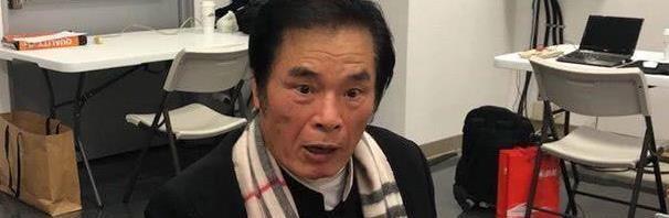 71岁男星被6位妻妾抛弃,现炫耀交小41岁女友:她会舌吻我!