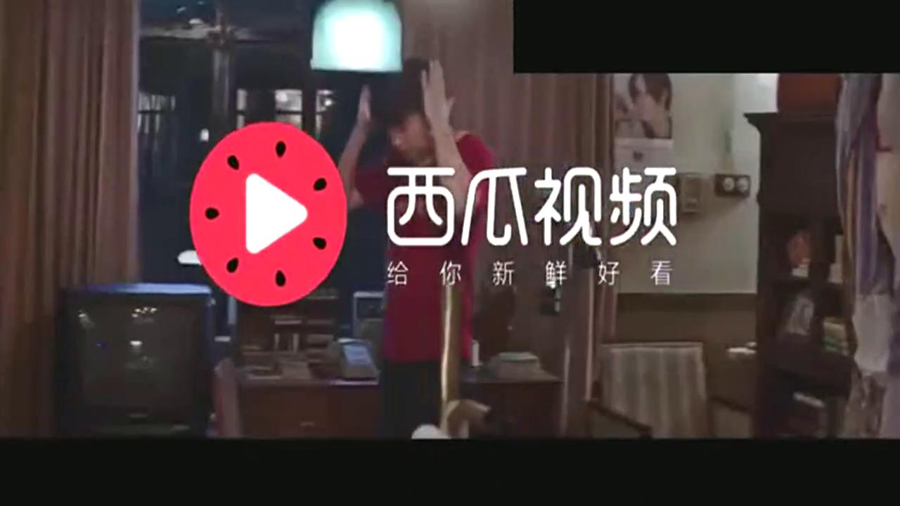 《超时空同居》片段,雷佳音穿越来首次点外卖,徐峥送上扯面表演
