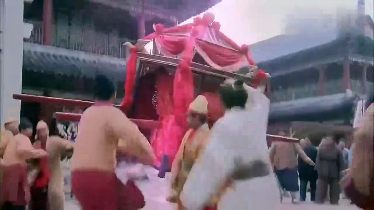 仙剑奇侠传三:情侣玉佩相互吸引,景天雪见黏在一起坐花轿