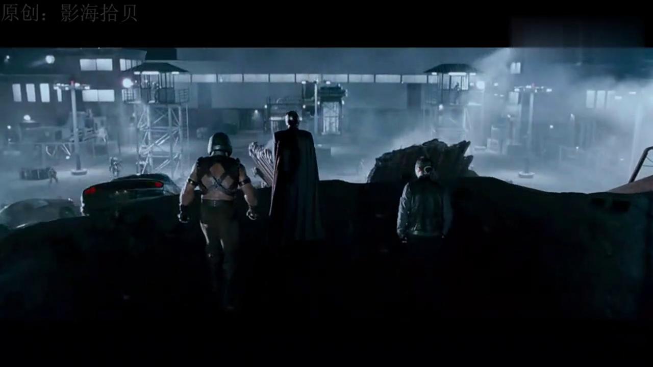 万磁王带领变异人攻打恶魔岛,人类军队溃败之际X战警及时出现