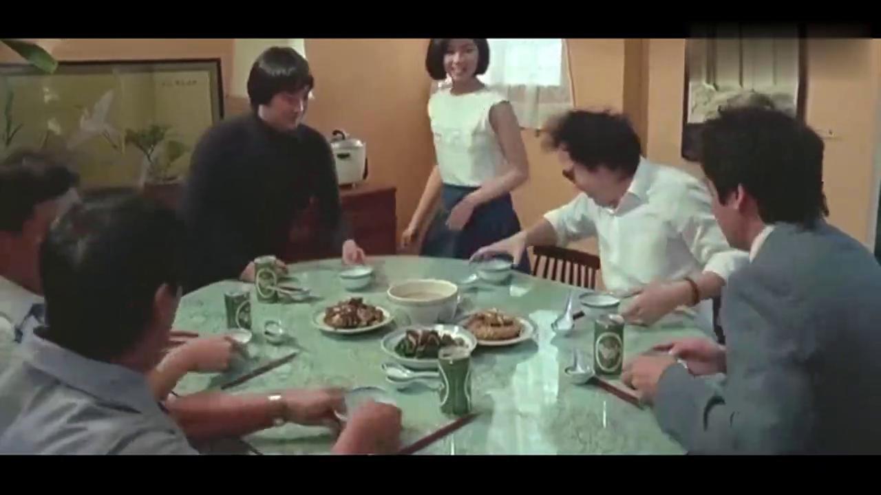 五个囚犯刚出狱,一听吃饭就暴露了监狱习惯,看的我两眼泪花