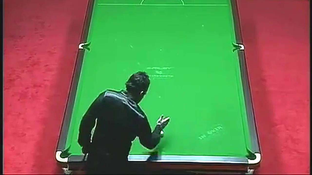 吉米怀特精彩瞬间 高难度用手把黑球打进顶袋