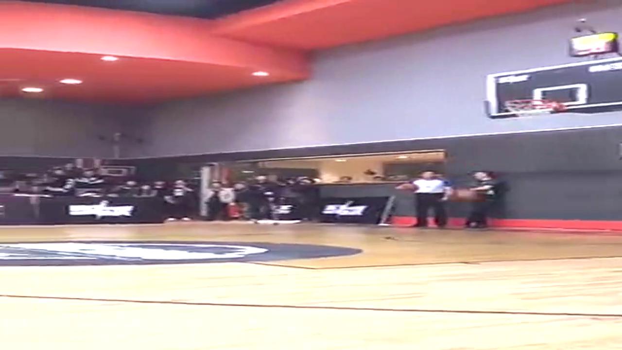 黑人的篮球挺好的!