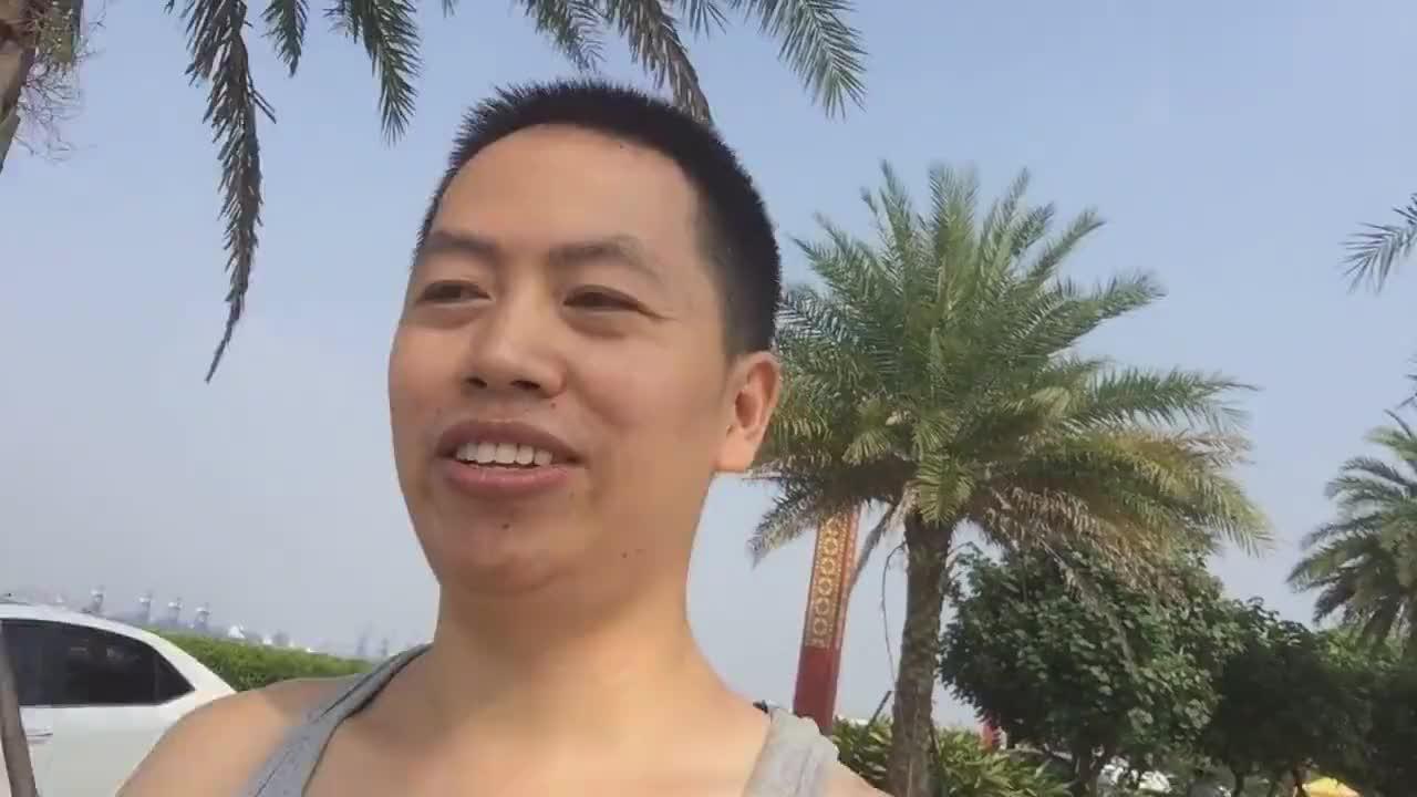 衡阳小伙中秋节放一天假逛海鸥岛晚上吃家乡特产月饼