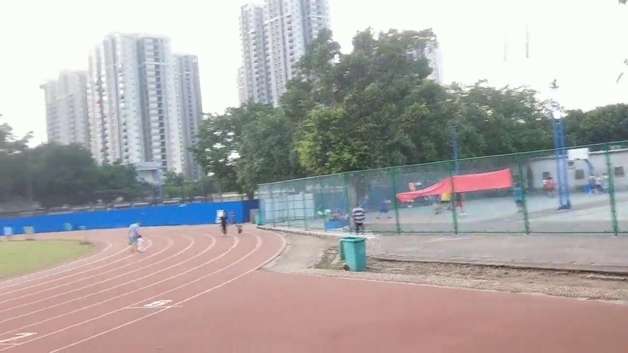 柳州柳南区最适合锻炼的地方,有篮球场,足球场,跑道,环境美!