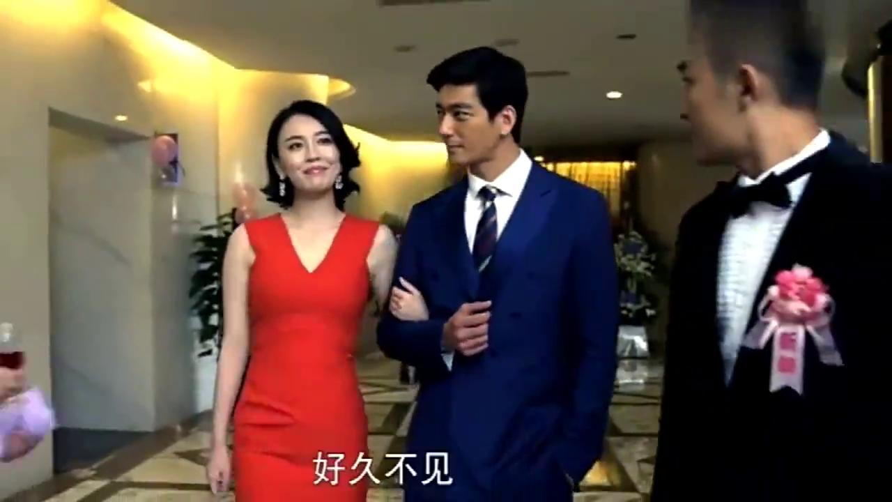 穷小伙跟富家女婚宴上,前女友携总裁惊艳现身,现场打脸