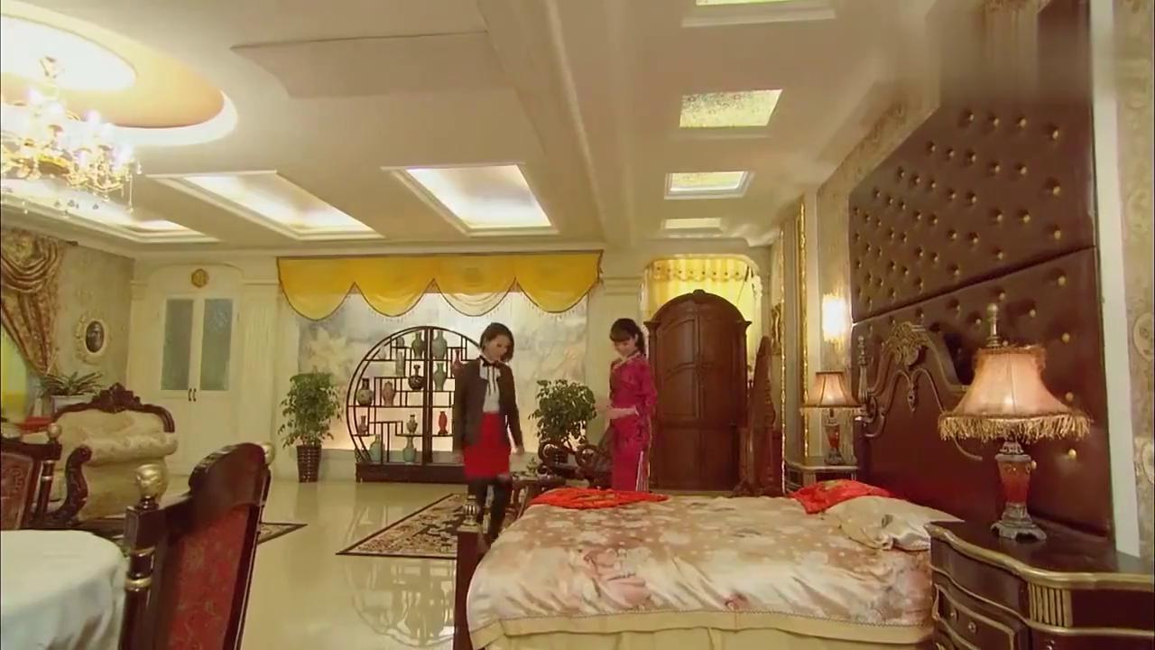 川岛芳子见妃子貌美,竟对皇嫂动了歹心!还好溥仪及时赶到