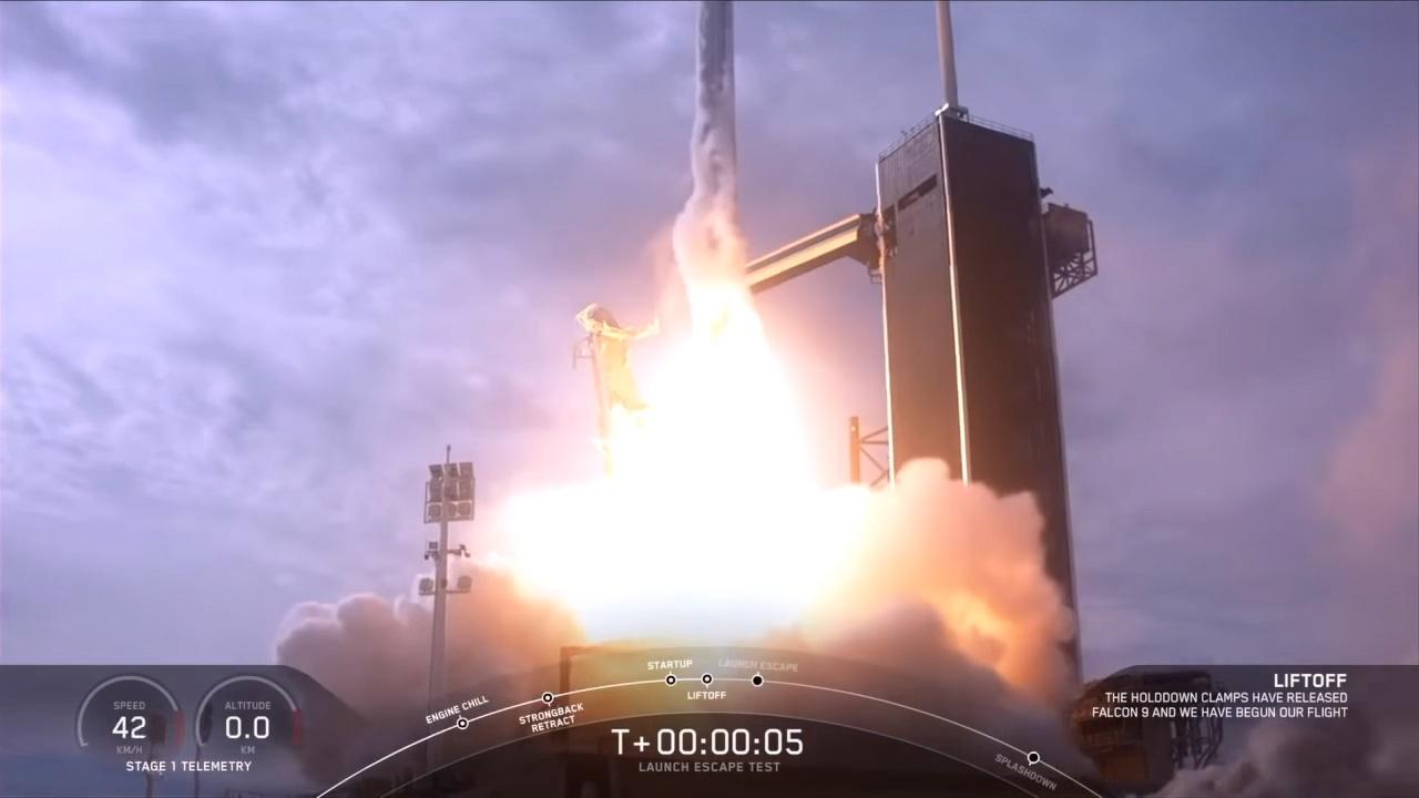 马斯克谈空中炸毁火箭:完美!预计二季度首次载人发射