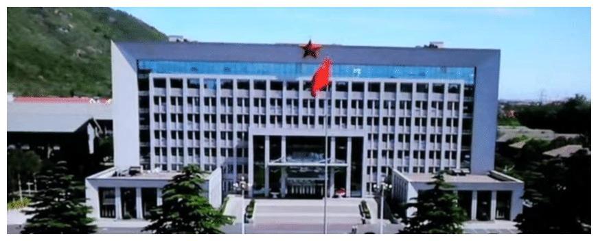 中国国防大学最美女教授, 53岁还如同少女一般, 现已是海军大校
