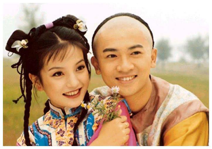 林心如张铁林录制赵薇新节目,还珠20年再相聚,网友:回忆杀