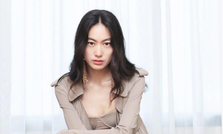 陈冠希为秦舒培庆生,他们的女儿真是很可爱