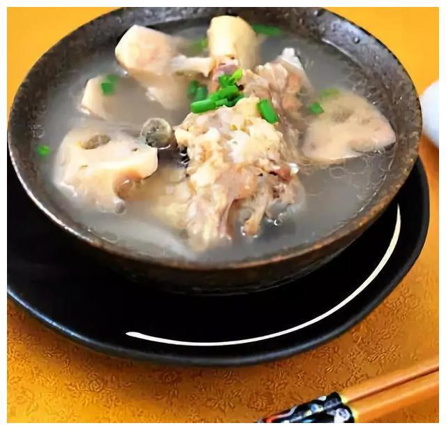 美食推荐:大棒骨莲藕汤,尖椒牛肉末,果醋藕片的做法